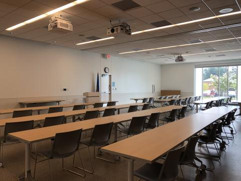 Room 1 & 2 at Capitol Hill with classroom style seating